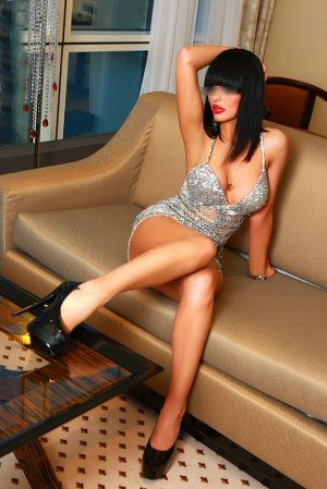 Marlaine independent escort Milwaukie